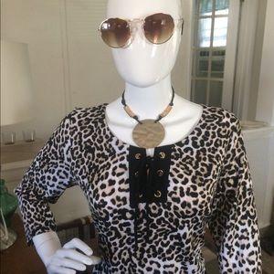 Women leopard top Size M
